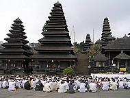 Đền Besakih