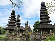 Những Ngôi Đền Thần Thoại Trên Đảo Bali