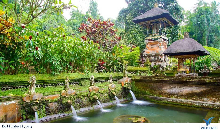 Đền Gunung Kawi,Den Gunung Kawi