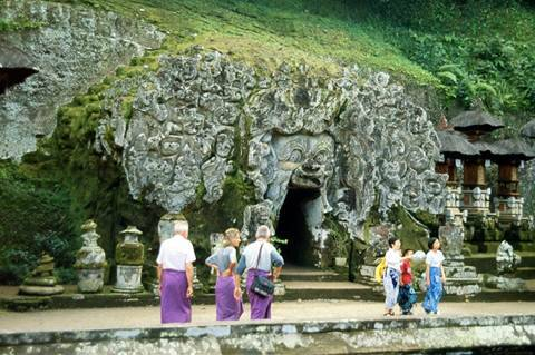 Đền thờ Goa Lawah