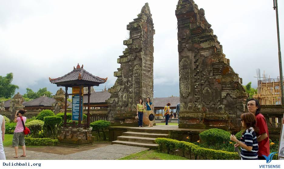 Đền Ulun Lanu,Den Ulun Danu
