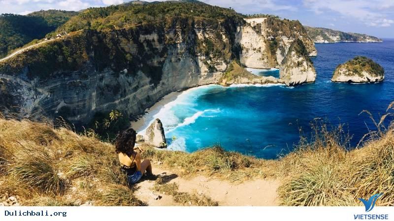 Cô gái Việt một mình khám phá Bali
