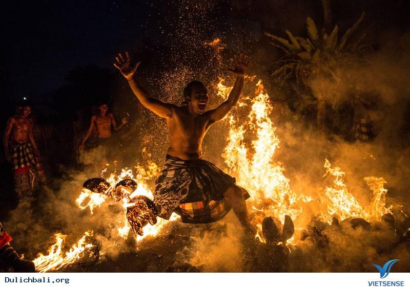 Hòa mình vào không khí rộn ràng của những lễ hội độc đáo nhất đảo Bali